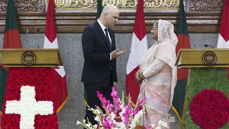 Premierministerin Sheikh Hasina empfängt Berset: Es ist der erste Besuch eines Bundespräsidenten seit der Unabhängigkeit Bangladeschs.
