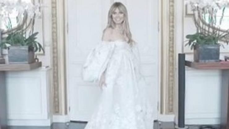 Ihr Mann Tom Kaulitz wünschte sich ein Prinzessinenkleid: Model Heidi Klum mit ihrer Hochzeitsrobe.