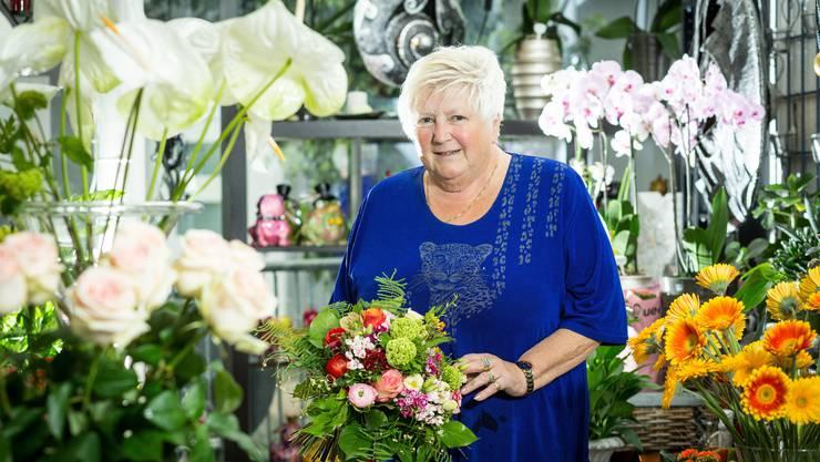 Monika Bill, Inhaberin Blumenhaus Bill in ihrem Geschäft. Sie feiert ihr 40-Jahr-Jubiläum. Aufgenommen am 28. April 2017 an der Bahnhofstrasse in Turgi.