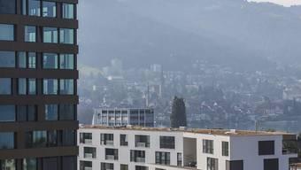 Die Gefahr, dass sich eine Immobilienblase bildet, hat abgenommen - insbesondere wegen gesunkener Preise für Eigentumswohnungen. (Archivbild)