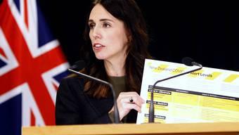 Auf gutem Weg: Neuseelands Premierministerin Jacinda Ardern stellt ein Alarmsystem für Covid-19 vor.