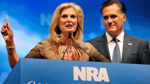 Ann und Mitt Romney an der NRA-Tagung