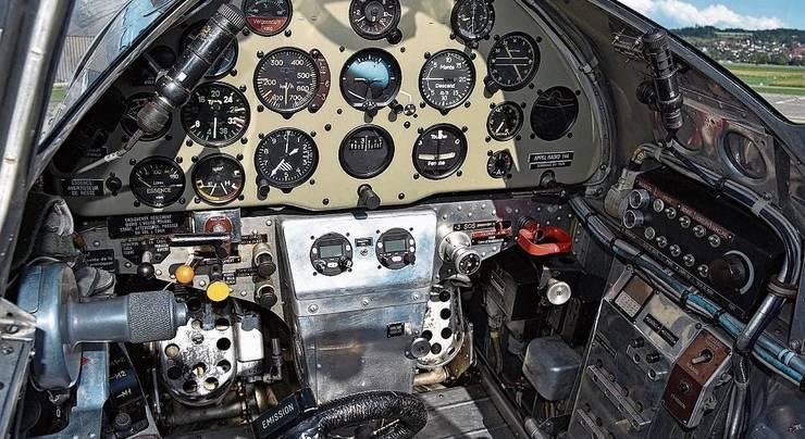 Ein Blick ins Cockpit des Pilatus P-2.