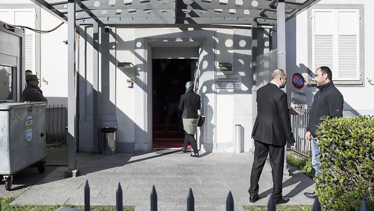 Das türkische Konsulat in Zürich wurde im Januar 2017 mit pyrotechnischen Gegenständen beschossen. (Archiv)