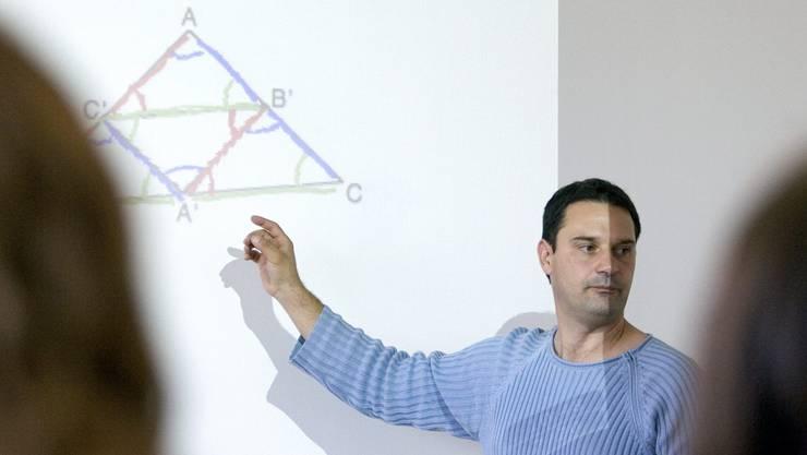 Die Regierung will die Lehrerpensen-Erhöhung auch ab dem Schuljahr 2016/2017 weiterführen.