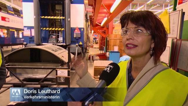 Hoher Besuch in neuer SBB-Betriebszentrale