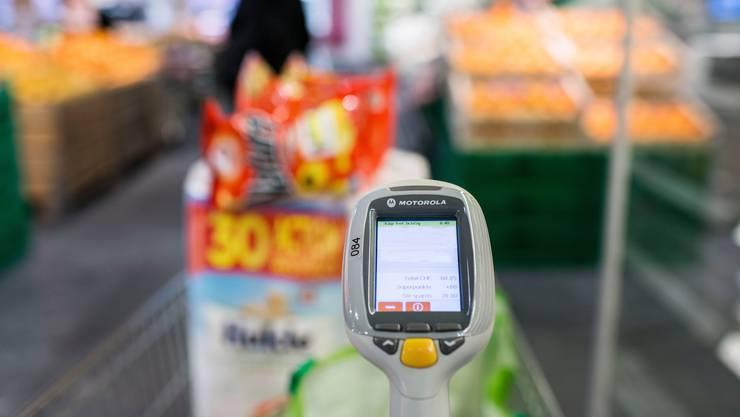 Beim Self-Scanning landen mehr ungesunde Lebensmittel im Einkaufswagen.
