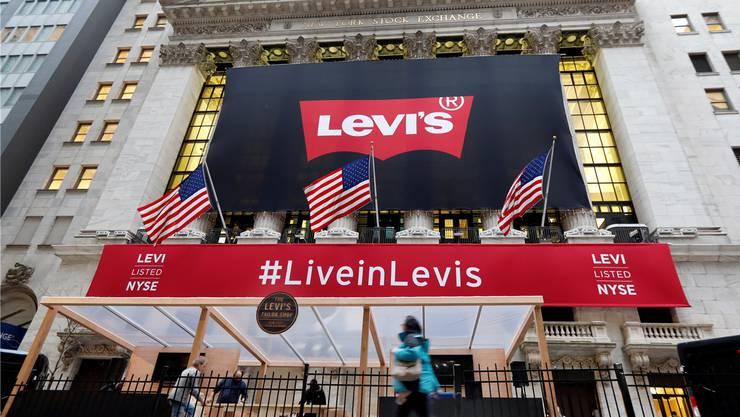 Zurück an der Börse: Levi Strauss begeistert Jeans-Träger ebenso wie die Anleger.