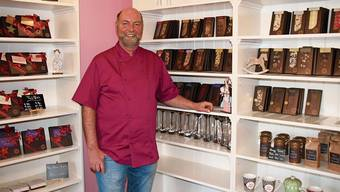Markus Duss betreibt seine Schoggi-Werkstatt in der ehemaligen Apotheke in der Laufenburger Altstadt.