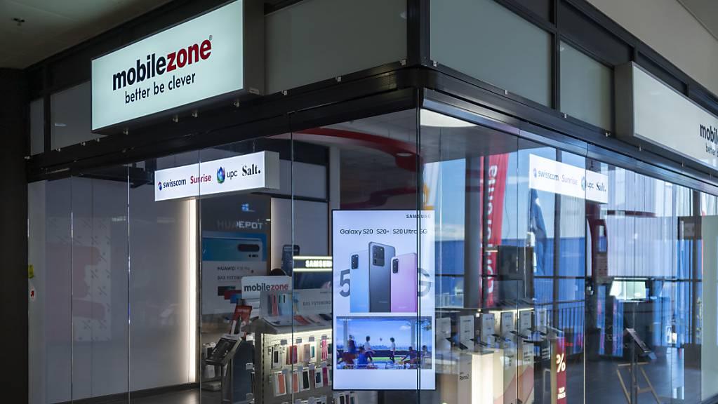 In den Länden von Mobilezone gibt es neu «Wingo»-Abos de Swisscom (Archivbild).