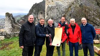 Nino Joller, 3. v.l., tritt von seinem Präsidialamt zurück. Hier zusammen mit Stefan Blank, Roland Fürst, Bernhard Mäusli, Max Rütti und Pierino Menna (v.l.).
