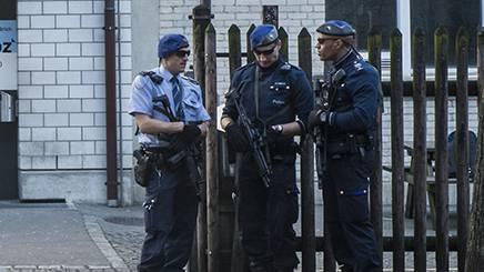 Ein Grossaufgebot der Polizei geht ins Geld: Der junge Mann wird die Kosten für den Einsatz berappen müssen (Symbolbild).