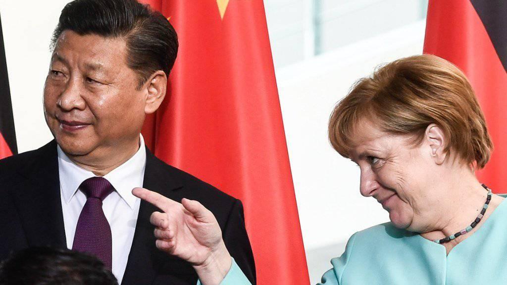 Bundeskanzlerin Angela Merkel mit ihrem Staatsgast Xi Jinping