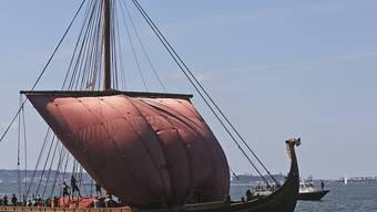 Die Wikinger schafften es noch vor der Erfindung des Kompass an die Küste Nordamerikas. Zur Navigation sollen sie sogenannte Sonnensteine benutzt haben. (Archiv)