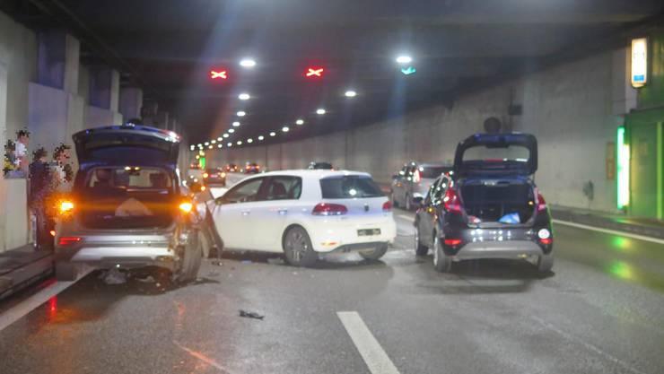 Ein 21-Jähriger wollte die Spur wechseln, dabei kollidierte er mit einem nachfolgenden Fahrzeug.