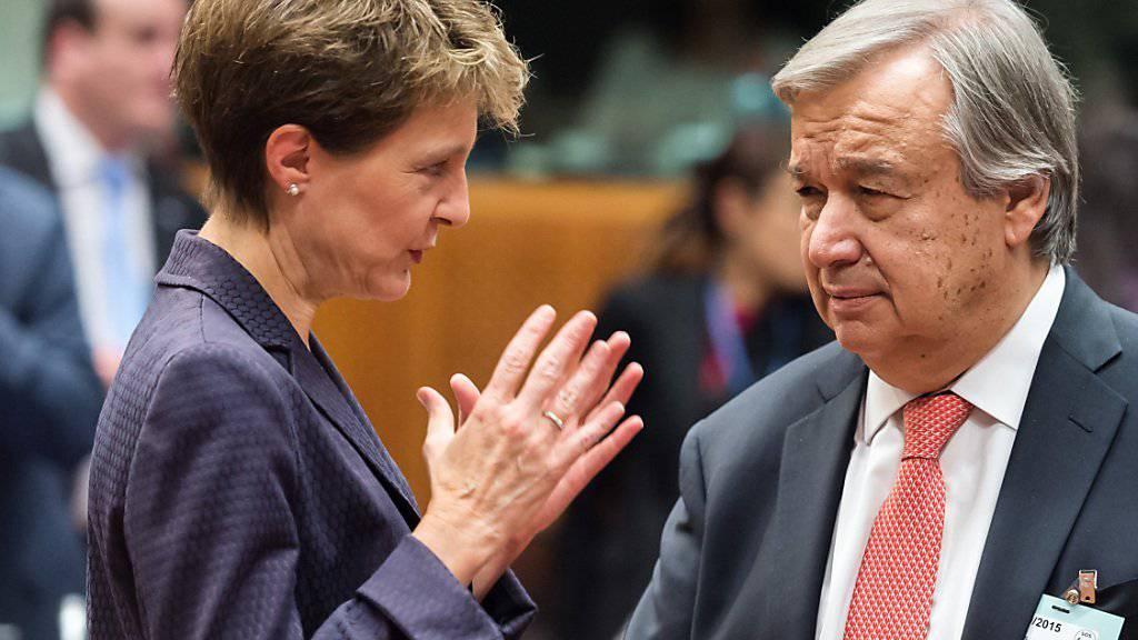 Wählt klare Worte: Justizministerin Simonetta Sommaruga im Gespräch mit UNO-Flüchtlingskommissar Antonio Guterres