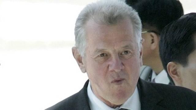 Der ungarische Präsident Pal Schmitt hat seine Dissertation abgeschrieben
