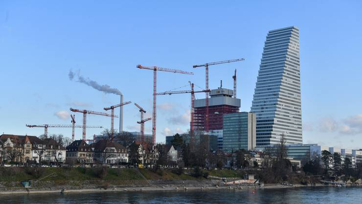 Anfang Februar 104 Meter hoch: Die Baustelle von Roche-Bau 2.
