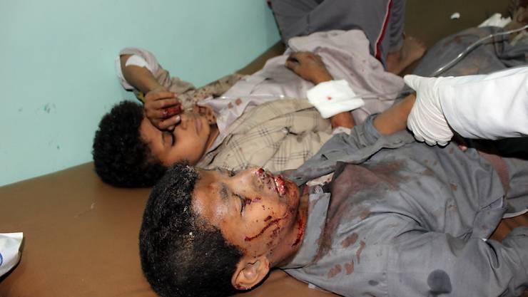 Beim Luftangriff auf einen Schulbus im Jemen kamen 47 Menschen ums Leben, die meisten davon Kinder. 77 weitere Personen wurden verletzt.