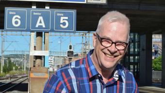Nikolaus Wyss am Schlieremer Bahnhof, ein paar Tage nach seiner letzten Gemeinderatssitzung.