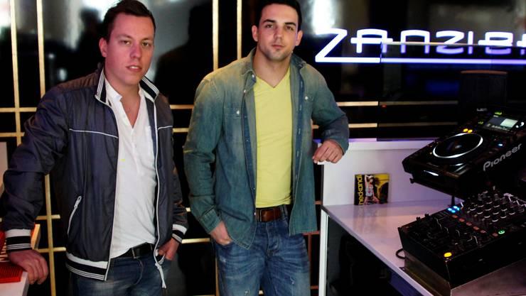 Louis Correnti (links) und Fabian Dubach bringen heute Abend die Zanzibar zum kochen. kob