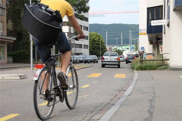 Städtische Beamte dürfen künftig auf dem Velo durch Dietikon kurven (Symbolbild).
