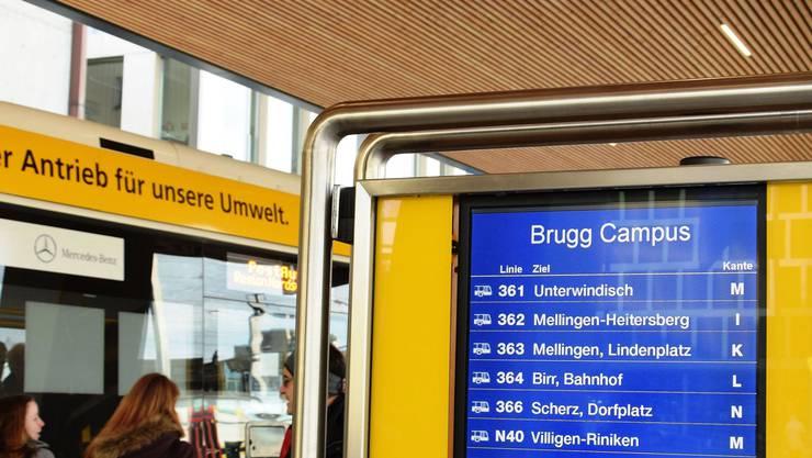 «Wie realistisch ist es, dass es wirklich eine Postauto-Verbindung zwischen den beiden Ortsteilen Lupfig und Scherz geben wird?»