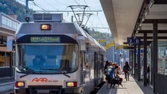 Die beiden Bahnen arbeiten seit 2011 zusammen und erzielen gemäss Regierungsrat so Einsparungen von 300'000 Franken pro Jahr.