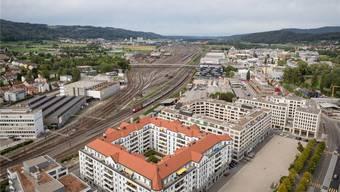 Blick von Dietikon auf Spreitenbach: Eine Massenschlägerei zwischen Jugendlichen brachte die Limmattaler Gemeinden diese Woche in die Schlagzeilen. San/AZ-Archiv