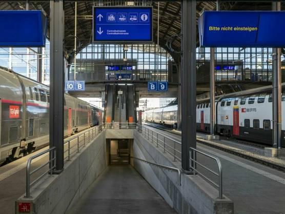 Am Freitag wird am Basler Bahnhof SBB die alte Unterführung als Entlastungsausgang für Zugpendlerinnen und Pendler wieder in Betrieb genommen.