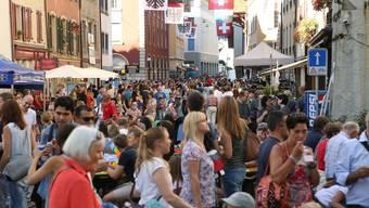 Am Freitag hat der Stadtrat mitgeteilt, dass am Maienzug-Vorabend unter anderem künftig der Sicherheit wegen keine Live-Musik auf Bühnen mehr erlaubt ist –  am Montagnachmittag ist bereits eine Petition ins Rathaus geflattert.