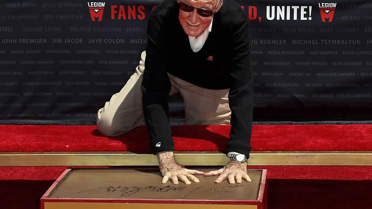 Jetzt hat auch der legendäre Comic-Zeichner Stan Lee einen bleibenden Eindruck in Hollywood hinterlassen.
