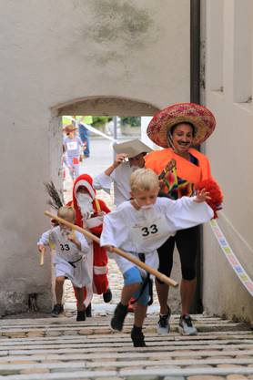 """Den Kampf um den dritten Platz gewannen die """"4 Fiechter"""" vor den Sombrero Ràpidos und den Chlösinnen."""