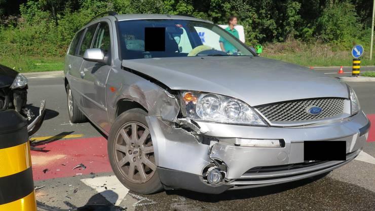 Die beiden Fahrzeuge kollidierten frontal/seitlich. Verletzt wurde niemand.