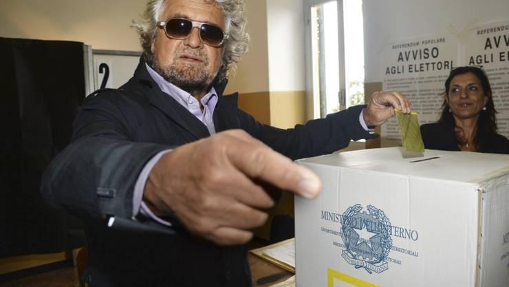 Komiker und Politiker Beppe Grillo hat abgestimmt, viele andere Italiener taten es nicht. Deshalb ist das Referendum über Öl- und Gasbohrungen ungültig.