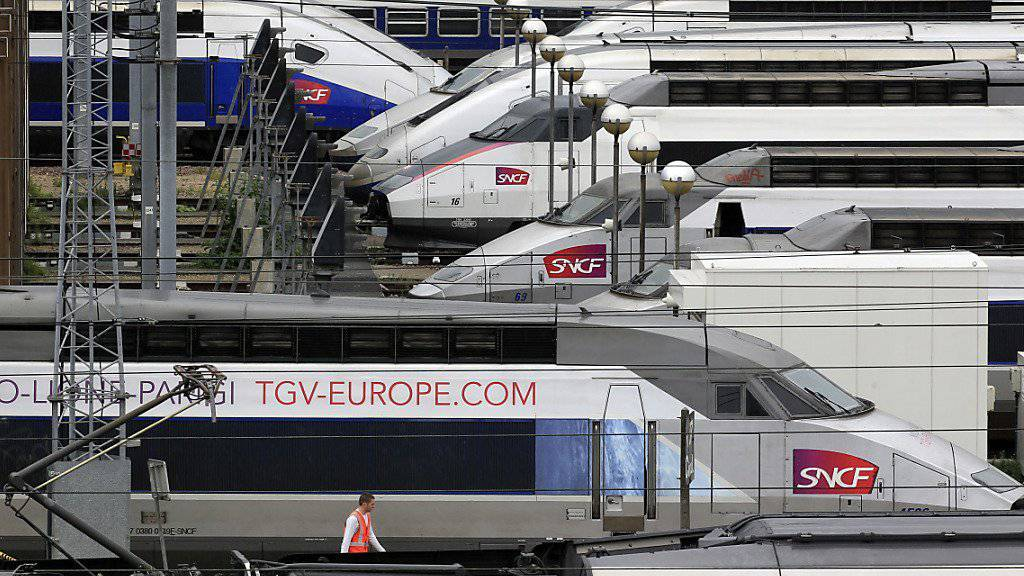 Wegen eines Streiks werden die Züge der französischen Staatsbahn SNCF von Dienstagabend bis Donnerstagmorgen teilweise still stehen. Die Schweiz ist vom Streik auch betroffen. (Archivbild)
