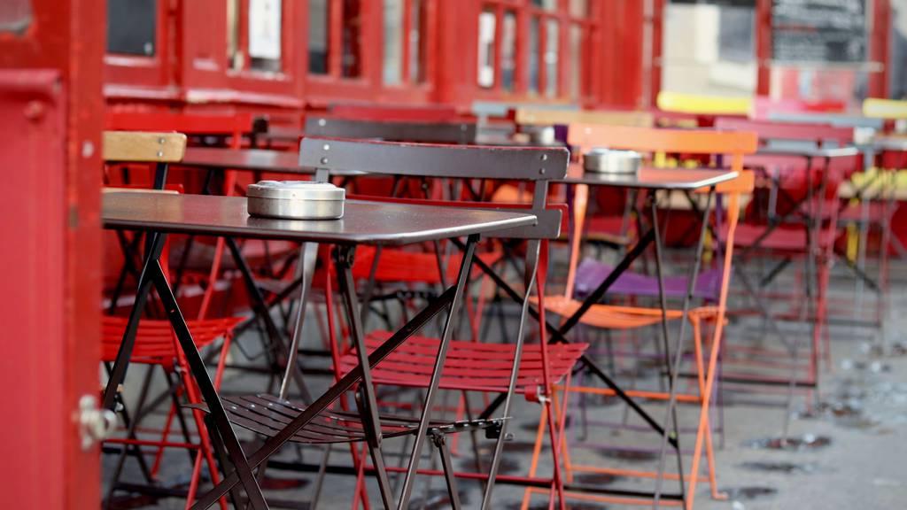 Restaurant-Terrassen und das schlechte Wetter