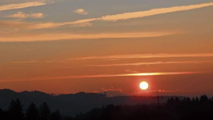 Sonnenaufgang über dem Fricktal am 30. Dezember.