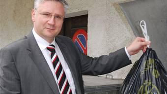 Gemeindeammann Andreas Glarner wird ab 2015 voraussichtlich eine Gebühr für seine Kehrichtsäcke berappen müssen.