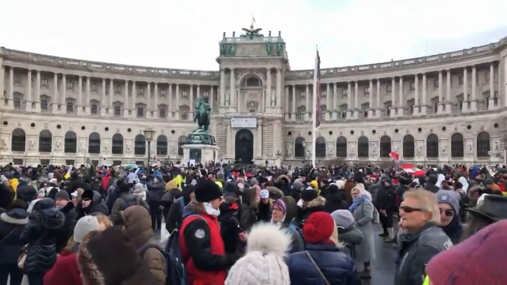 Wien: 10'000 Menschen demonstrieren gegen Corona-Massnahmen