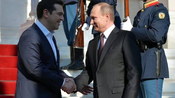 Alexis Tsipras (links) und Wladimir Putin am Freitag in Athen.