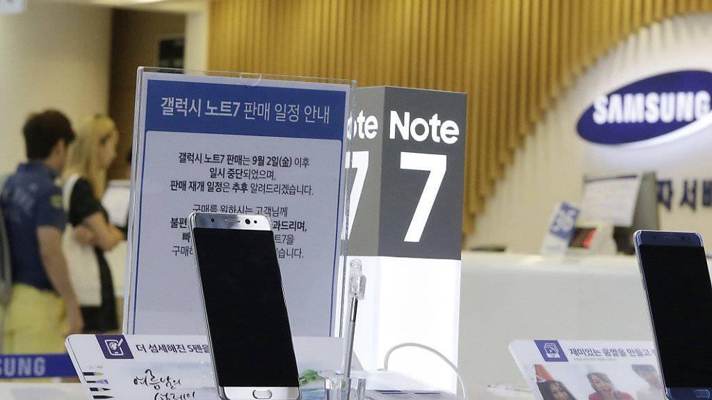 Samsung hat das Austauschprogramm für das Smartphone Galaxy Note 7 auch in der Schweiz begonnen. (Archiv)