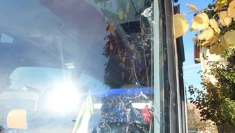 Birrwil: Streifkollision – Polizei sucht Lastwagen