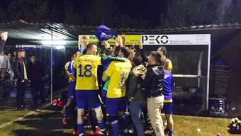 Grosser Jubel beim FC Koblenz nach dem Derbysieg gegen den Favoriten aus Klingnau.