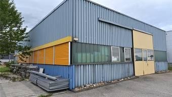 Die sogenannte Roeck-Halle im Bahnhofsquartier soll der neue Jugendtreffpunkt von Oensingen werden.