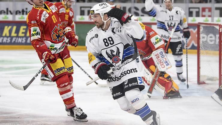 Andrej Bykow erzielt den Siegestreffer für Aussenseiter Fribourg-Gottéron