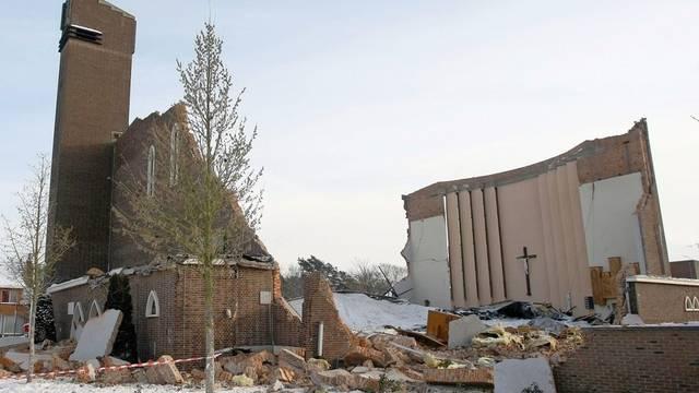 Von der Kirche stehen nur noch Teile der Aussenmauer