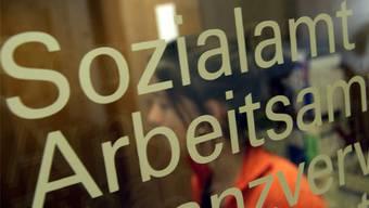 Aargauer Politiker wollen abgestufte Sozialhilfe-Beiträge. (Symbolbild)
