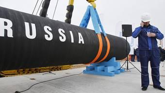 Die neue 2100 Kilometer lange Doppelpipeline Nord Stream 2 soll vom kommenden Jahr an unter Umgehung von Polen und der Ukraine Erdgas von Russland nach Deutschland liefern. (Archivbild)