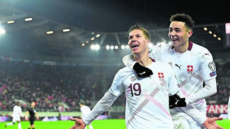 Cedric Itten und Ruben Vargas.